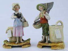 0D863 Halász porcelán fiú és lány talapzaton
