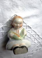 Antik Aquincumi kukoricás kislány figura
