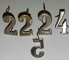 Cserkész csapatszám sapkára ezüst színű rozsdamentes magassága:16mm,szélesége:10mm