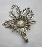 Retró ezüst színű napraforgó medál