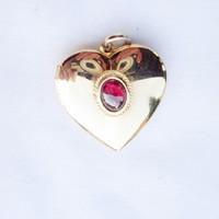 Tűzaranyozott, arany színű fényképtartós szív medál