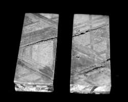 Muonionausta meteoritszeletek ékszerbe foglaláshoz is