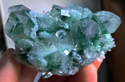 137 gr zöld tibeti kvarc kristály csoport (mesterségesen előállított)