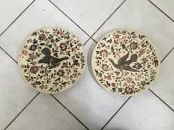 2 db ZSOLNAY szerű elefántcsontalap aranyozás GRIFFMADARAK tányérpár STEIDL ZNAIM