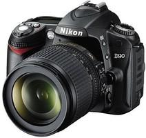 Nikon D90 fényképezőgép Nikon 18-105 VR objektívvel szettben