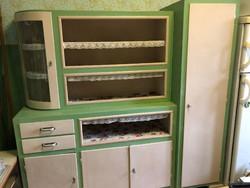 1950-60-as évekből származó konyhaszekrény