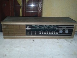 Videoton fénycsöves rádió