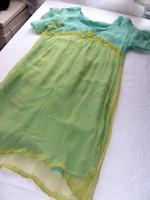 Gyöngyhímzéses tüll-muszlin ruha