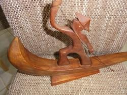Art deco faragott kínai csónakos szobor