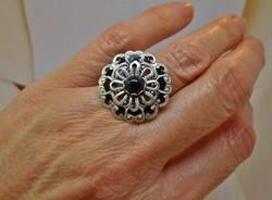 Csodálatos  onix köves  ezüstözött gyűrű