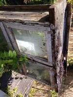 Régi parasztházból bontott ablaktáblák