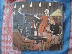 Dance Music-Mikes Éva énekel bakelit