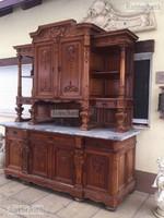 Antik bútor, Barokk nagy tálaló.