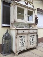 Provence bútor, antikolt tálaló szekrény 03.