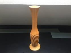 Fából készült virágváza