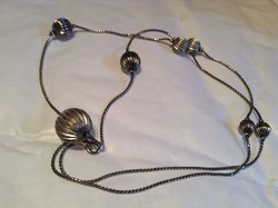 Retro ezüst színű gömb nyaklánc