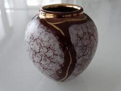 Mini porcelán váza kézzel festve, aranyozva