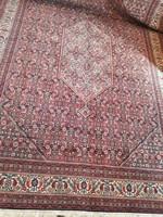 Gyönyörű  sűrű  mintás  hatalmas  perzsa  szőnyeg