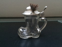 Csizma alakú fedeles üveg pohár