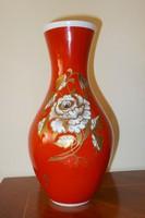 Wallendorf  váza,dúsan aranyozott mintával.