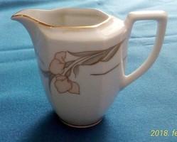 Winterling, porcelán tejes/tejszínes, elegáns mintával, dús aranyozással