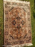 Marokkói gyönyörű antik szőnyeg