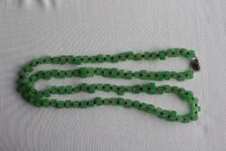 Régi zöld színű hosszú nyaklánc
