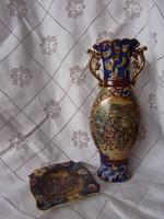 Aranyozott kerámia váza és hamutartó garnitúra
