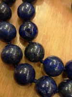 Lapis lazuli gömb  szemekkel fűzött nyaklánc ezüst zárral