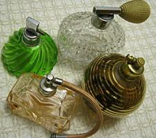 4 db parfümös üveg parfüm szóró