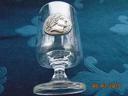 Portrés fém érmés talpas pohár