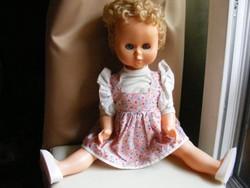 Retro szőke kék szemű játék baba - alvó síró baba