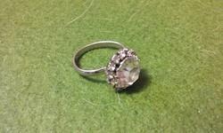 Elegáns ezüst színű köves gyűrű, állitható méretű