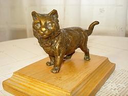 Macska, bronz kisplasztika