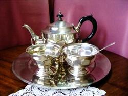 Ezüstözött Sheffield öt darabos teás készlet, kanna, tejszín kiöntő, cukortartó, tálca és kiskanál