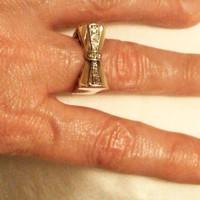 Art-Deco Sárga Arany Masnis Brilles Gyűrű