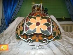 Tiffany vagy tiffany jellegű mennyezeti lámpa, csillár