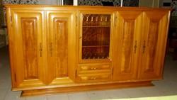 Tálaló szekrény , komód kitűnő állapotban 246x132x50 cm