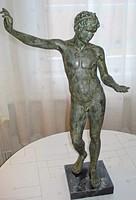 Marathoni ifjút, Epheboszt ábrázoló szobor
