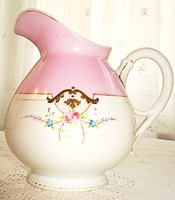 Elegáns rózsaszinű kézzel festett kanna