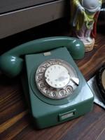 Retro asztali tárcsás telefon készülék mohazöld 1970 -es évekből