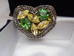 Régi szív alakú köves bross