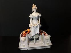 Eichwald R. Dubitzky Pot-pourri Asztalközép Virágszedő Lány Illatosító Női Figura Bernard Bloch
