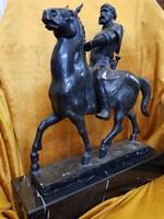 Jelzett Ispánki József nagy méretű lovas bronz szobor márvány talapzaton