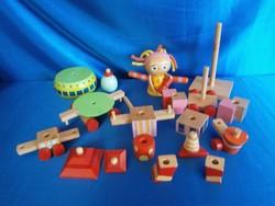 Retro fa játékok a képek szerinti mennyiségben