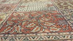 Eladó egy szép NAGY MÉRETŰ arab szőnyeg, jó állapotú. Méretei 350cm x 250cm .
