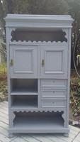 Provence stílusban festett fiókos polcos kis szekrény
