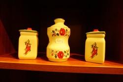 Kalocsai népművész mintás porcelán fűszertartó eladó.