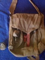 Katonai gázálarc tartó táska