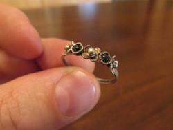 Csodálatos ezüst női gyűrű